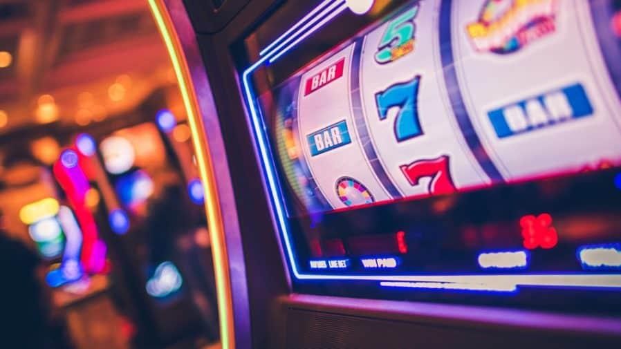 Bermain Game Slot Machine